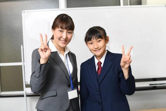 学生と講師